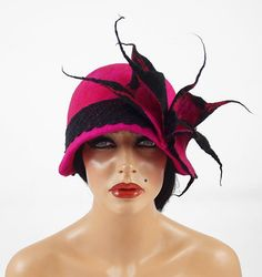 Felted Hat Cloche hat Flapper Hat ART DECO Hat Pink Hat Retro hats Felt wearable art Nunofelt Nuno felt la belle epoque