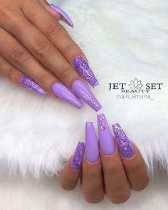 Nail art Christmas - the festive spirit on the nails. Over 70 creative ideas and tutorials - My Nails Purple Glitter Nails, Purple Acrylic Nails, Summer Acrylic Nails, Best Acrylic Nails, Purple Nail Designs, Acrylic Nail Designs, Nail Swag, Lavender Nails, Acylic Nails