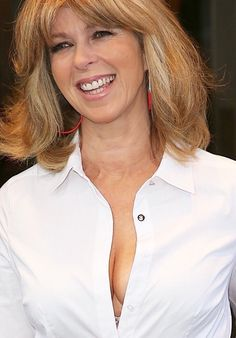 Kate Garraway.  YOUR A TOMID LOVER BUT I DIDNT KNOW MUCH JUST HOW TO DO IT AND FIND A CRUX Sexy Older Women, Sexy Women, Beautiful Women Over 40, Beautiful Females, Beautiful Celebrities, Carol Kirkwood, Kate Garraway, Tv Girls, Sexy Blouse