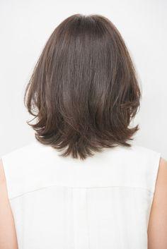 アースカラースタイル 最旬モードなミディアムヘアスタイル。 Braided Hairstyles, Wedding Hairstyles, Cool Hairstyles, Medium Hair Styles, Short Hair Styles, Thick Coarse Hair, Layered Haircuts, Face Hair, New Hair