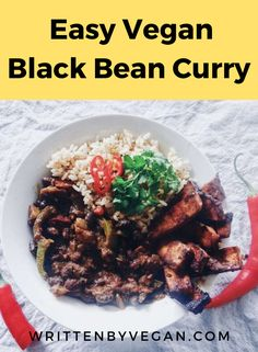 Black bean curry is such an easy and quick lunch, especially when you are just strating out as a vegan. Black beans are an amazing source of protein. This curry brings a little bit of spiceness to your life! Great fr cold winter nights. #curry #blackbeans #protein #winternight #easy #quick