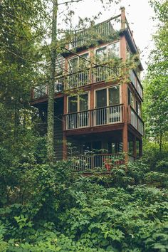 10 Day Minnesotans at Ludlow's Island Resort in Cook, MN.  You can stay in a four-story treehouse! Click to see more from world-renowned travelers as they road-trip through Minnesota. #OnlyinMN