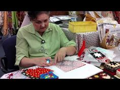 Deborah demonstrates the Plum Easy Folded Star Pin Cushion pattern Sewing Tools, Sewing Notions, Sewing Tutorials, Sewing Crafts, Video Tutorials, Sewing Ideas, Longarm Quilting, Quilting Ideas, Needle Book