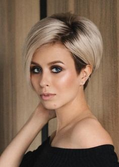 60 Stunning Pixie Haircut Ideas for This New Season Stylish Pixie Haircut; Super Muy Corto Pixie Cortes de pelo Y Colores de Pelo para Longer Pixie Haircut, Short Pixie Haircuts, Pixie Hairstyles, Short Hairstyles For Women, Short Hair Cuts, Hairstyle Short, Pixie Cuts, Längerer Pixie, Longer Bob Hairstyles
