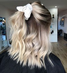 pretty hairstyles With Glasses; pretty hairstyles For pretty hairstyles Blondes # Cute Hairstyles For Short Hair, Curly Hair Styles, Scarf Hairstyles, Hairstyle Ideas, Beautiful Hairstyles, Simple Hairstyles For School, Easy Pretty Hairstyles, Scrunchy Hairstyles, Curls For Short Hair