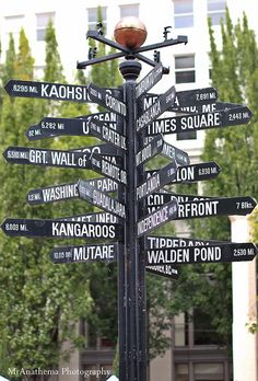 Pioneer Square in Portland, Oregon. Oregon really is the center of the universe! State Of Oregon, Oregon Coast, Oregon Usa, Oregon Washington, Portland Oregon, Downtown Portland, Oh The Places You'll Go, Places To Travel, Places To Visit