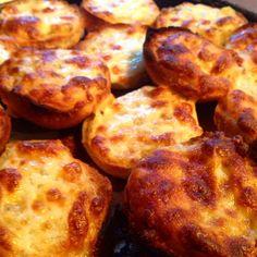 Sıcacık peynirli ekmeklerimiz çıktı :) #kaserol #peynirliekmek #cheesebread