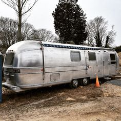 Rocking a new #moderngreenhome #airstream #construction trailer in #amagansett #easthampton. #designbuild