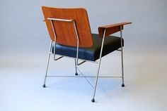 Designed in 1950 and made by Hille & Co., the Hillestack Chair was used at the Festival of Britain in 1951.