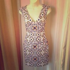 French Connection Print Shift Fun print! Back zip! In excellent condition! French Connection Dresses