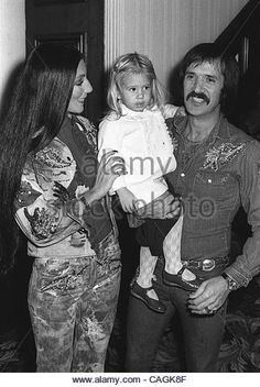 feb-1-2008-hollywood-california-us-8539sonny-bono-with-cher-and-daughter-cagk8f.jpg (362×540)