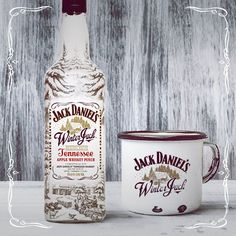 Jack Daniels Decor, Jack Daniels Bottle, Jack Daniels Whiskey, Apple Whiskey, Cigars And Whiskey, Bourbon Whiskey, Whisky Jack, Jack Daniel's Tennessee Whiskey, Jack Daniels Distillery