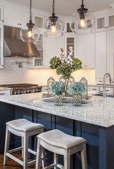 Awesome 49 Lovely White Kitchen Design Ideas. More at https://trendhomy.com/2018/06/19/49-lovely-white-kitchen-design-ideas/