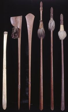 This article aims to help the reader understand and distinguish the different types of Maori Weapons. To understand Maori weapons and their intended specialized functions. Club Weapon, Maori Legends, Maori People, Polynesian Art, Maori Designs, Maori Art, Tree Carving, Bow Arrows, Moka