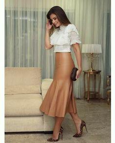 INSTAGRAM @GRACIOSASMODA ♡ #vestido #saia #midi #gode #modacasual #modamodesta #modaexecutiva #modaevangelica #modacrista #modafeminina #outonoinverno #modaoutonoinverno #modaparameninas #cristãs #ccbfashion #modagospel #meninasevangelicas #modacomportada #inspiração #lookinspiracao #roupanovatododia #roupasfemininas #amovestidos #roupaslindas #blogueira #modafashion #instamoda #modablogueira #roupasfemininas #evangelicasnamoda #crentechic #lookcristao #blogueiraevangelica