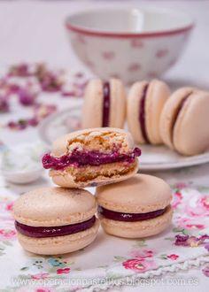 Operación Pastelito:: Macarons con curd de frutos rojos
