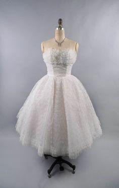Vintage 50's Strapless Wedding Dress // by FifthAvenueStarlet