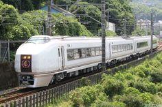 JR東日本は20日、「伊豆クレイル」「現美新幹線」をはじめ、乗ること自体が目的となるような「のってたのしい列車」の今年度下半期の運行日程について発表した。