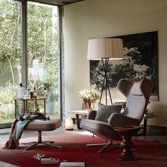 Wenn der Vitra Grand Repos Loungestuhl nicht zum Ausruhen einlädt, was dann? Fühl dich umarmt und leg die Füße hoch! http://www.flinders.de/vitra-grand-repos-loungestuhl