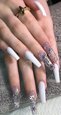 almond acrylic nails which are beautiful Bad Nails, Aycrlic Nails, Dope Nails, Bling Nails, Manicures, Coffin Nails, Clear Acrylic Nails, Almond Acrylic Nails, Cute Christmas Nails