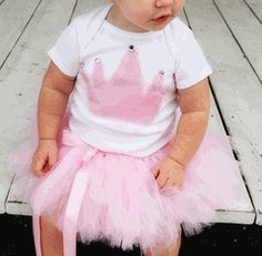 Be the princess at the party with this posh princess tutu and onesie set!