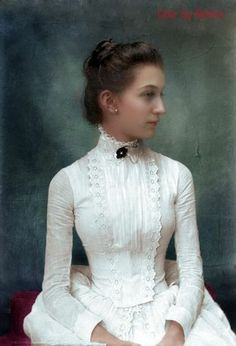 Lovely colourized photo from 1890.