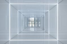 Glass office with mirrored walls for Soho China by AIM Architecture. Cleanroon-come-office-building? Soho, Architecture Journal, Architecture Photo, Light In Architecture, Installation Architecture, Chinese Architecture, Architecture Office, Futuristic Architecture, Blitz Design