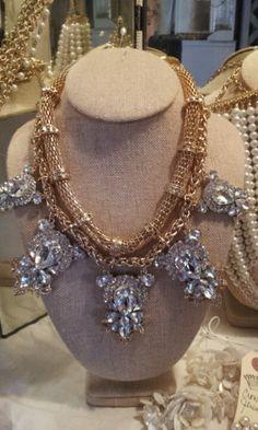 Fantastic statement necklace!!