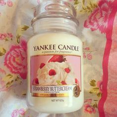 Strawberry Buttercream Yankee Candle: Just finished this one and it was phenomenal; Strawberry Buttercream, Candle Accessories, Perfume, Ideias Diy, Cute Room Decor, Scented Candles, Yankee Candles, Bath Candles, Candels