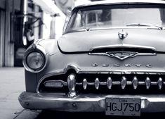 https://upload.wikimedia.org/wikipedia/commons/c/cf/1950s_Desoto_in_Havana.jpg