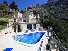 Villa fdma121 an der Makarska: 4 Schlafzimmer, für bis zu 8 Personen. *FIRST MINUTE SAISON 2018 *5 % RABATT ODER GRATIS RENT A CAR*Villa mitl Pool   FeWo-direkt