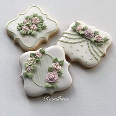 Extra cookies for my little nieces. Mother's Day Cookies, Valentines Day Cookies, Fancy Cookies, Iced Cookies, Cute Cookies, Cupcakes, Cupcake Cookies, Cookie Frosting, Royal Icing Cookies