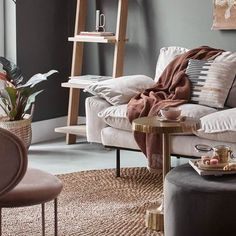 Living Room Chairs, Home Living Room, Lounge Chairs, Recliner, Color Schemes, Accent Chairs, Armchair, Comfy, Interior Design