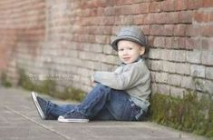 Little Boy Photography, Children Photography Poses, Toddler Boy Photography, Children Poses, Toddler Poses, Kid Poses, Little Boy Poses, Family Shoot, Toddler Pictures