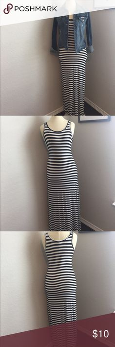Black & White Striped Maxi ***SALE!*** EUC B&W striped maxi. Fitted, round neck stretchy cotton. About 46 inches from underarm. My mannequin doesn't have legs which makes it hard to display this style! LOL Dresses Maxi