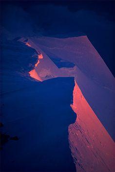 Alpenglow on corniced ridge, Denali Peak (Mt. McKinley) (Alaska, 1979) - Galen Rowell