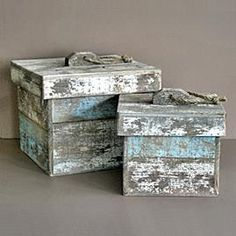 Shabby Chic Driftwood Boxes - Definitely a pallet project.