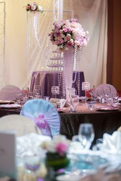 Ombre perfection, Classic Pastel, features a palette of subtle pinks and purples. Hotel Fort Canning