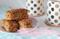 These homemade South African rusks are packed with all kinds of seeds and grains - and they're all kinds of delicious! Rusk Recipe, South African Recipes, High Tea, Bread Baking, Biscotti, Dragons, Nom Nom, Low Carb, Healthy Recipes