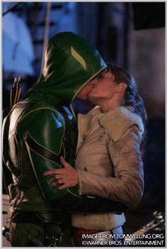 "Oliver Queen and Lois Lane - ""Smallville"" Green Arrow Smallville, Lois Lane Smallville, Clark Kent Lois Lane, Chloe Sullivan, Allison Mack, Erica Durance, Superman, Batman, Lex Luthor"