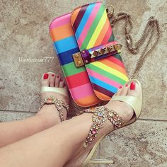 It's a Colorful Wednesday . In #valentino and #renecaovilla. #bagoftheday #ShoesToBeHappy #shoelover #shoesoftheday #valentinoaddict