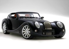 Company Morgan has always been famous for the original design of their vehicles. At present time it also remained faithful to its principles and released a new concept Morgan 2+2.