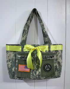 Going to do this with Dusty's uniform. Military Uniform Shirt tote These totes are all the rage with military wives and Moms and with an ACU jacket and a few hours, you can have your own! Military Crafts, Army Mom, Military Wife, Army Girlfriend, Army Wives, Military Shirt, Army Brat, Army Uniform, Military Uniforms