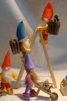 Zwerg Gnome Winter Blumenkind Waldorf von KatjasFlowerfairys