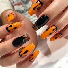 Holloween Nails, Cute Halloween Nails, Halloween Acrylic Nails, Looks Halloween, Fall Acrylic Nails, Halloween Nail Designs, Trendy Halloween, Women Halloween, Girl Halloween