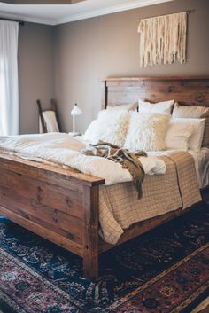 34 Beautiful Farmhouse Bedroom Design Ideas Match For Any Home Design - Trendehouse Rustic Bedroom Furniture, Farmhouse Bedroom Decor, Home Decor Bedroom, Bedroom Ideas, Bedroom Designs, Cozy Bedroom, Bedroom Rustic, Bed Designs, Bedroom Rugs