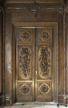 Large antique carved oak wood paneled room with hunting trophies and still lifes decor (Reference - Available at Galerie Marc Maison # Border Oak, Trophy Rooms, Oak Panels, Second Empire, Architectural Antiques, Art Decor, Decoration, Wood Paneling, French Antiques