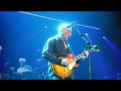 Brothers in Arms - Mark Knopfler - Bordeaux Arkéa Arena 6 Mai 2019 - YouTube