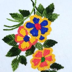 Hand Embroidery Videos, Hand Embroidery Flowers, Flower Embroidery Designs, Hand Embroidery Stitches, Ribbon Embroidery, Embroidery Patterns, Zebra Craft, Couture Embellishment, Sunflower Drawing