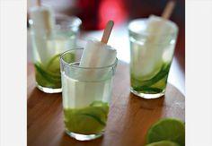 Caipirinha com picolé de limão e água de coco
